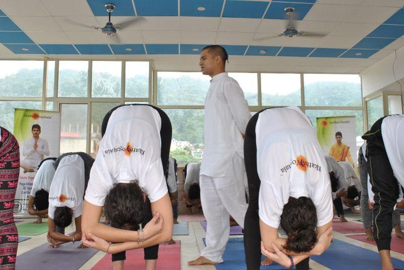 Почему Ришикеш считается столицей йоги?