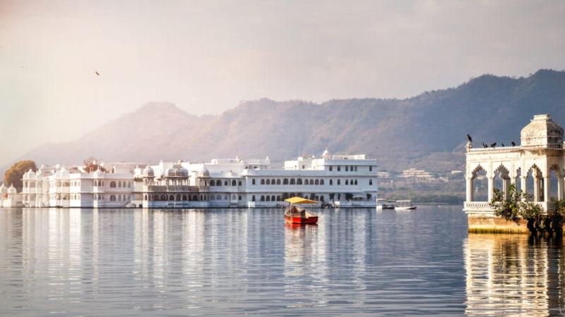 Lake Pichola hotel palace